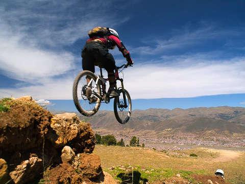 Pro Downhill Bike: Ruta Yuncaypata