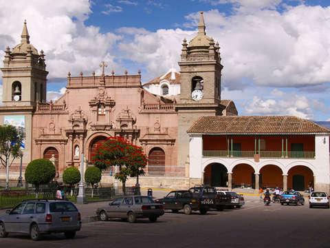3d/2n Ayacucho Tradicional