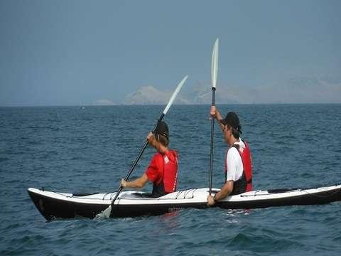 Kayaking en la Costa Verde